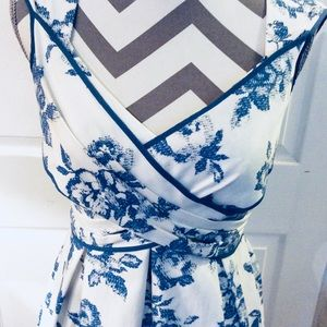 Jessica Simpson Fit & Flaw Dress SZ 10 Blue Rose